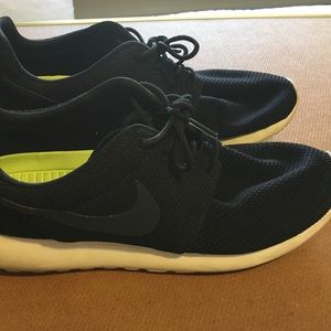 Other - Black Nike sneakers in Great condition .